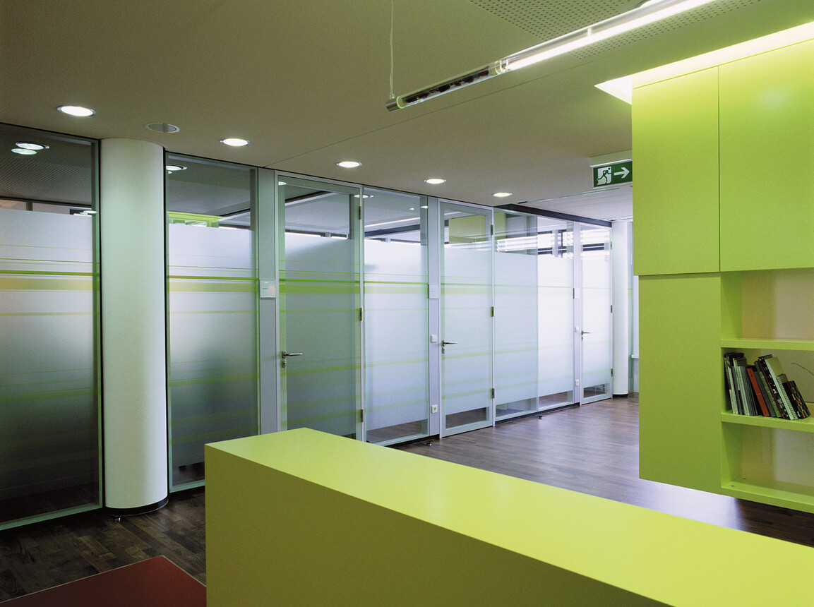 Design and implementation of the occupational healthcare centre Medical Service Centre - BW-Bank Stuttgart access to treatment rooms