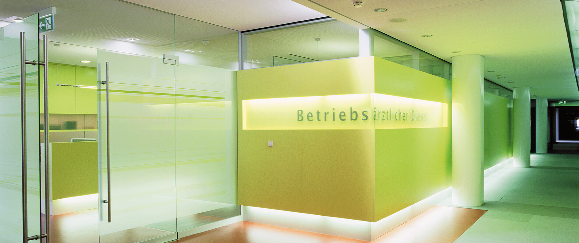 Design and implementation of the occupational healthcare centre Medical Service Centre - BW-Bank Stuttgart entry
