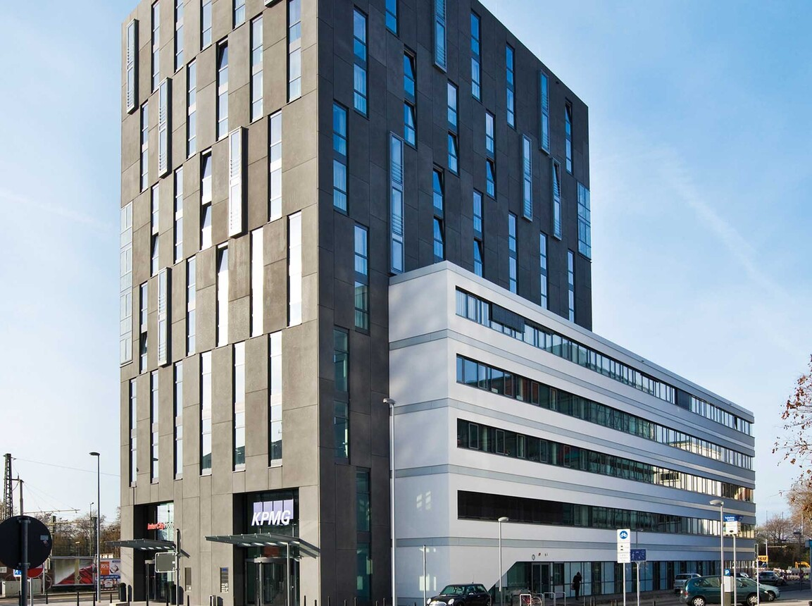 Office space and hotel - twelve-storey building - Euro City Center West Mannheim - view from the street