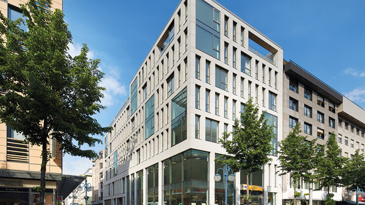 mixed-use building - living, working and shopping - P3 Mannheim - street view