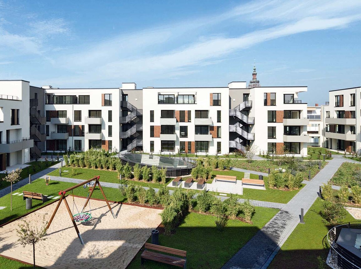 Mixed used quarter - Q 6 Q 7 Mannheim - apartments - inner courtyard  with park area - high angle