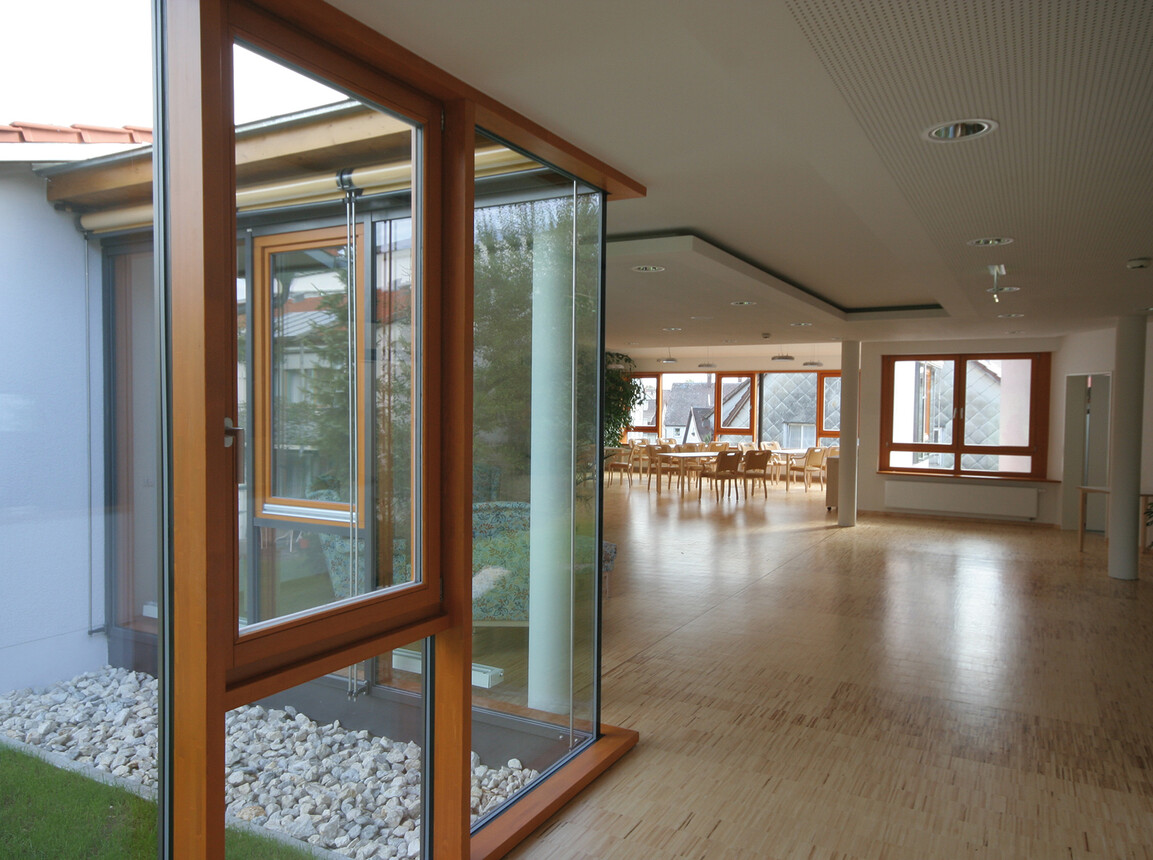 nursing home for the elderly - new construction and expansion - Nursing Home Laichingen - nursing home indoor meeting area