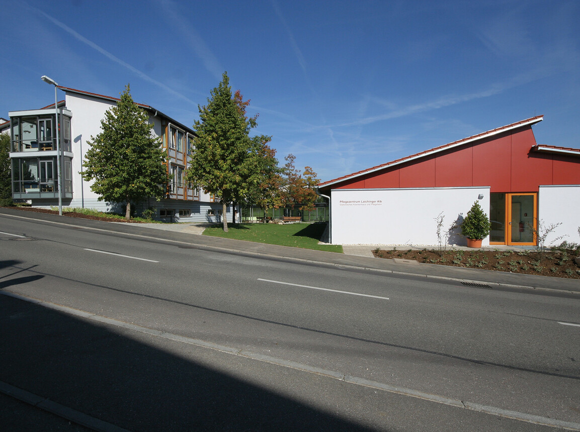 nursing home for the elderly - new construction and expansion - Nursing Home Laichingen - street view