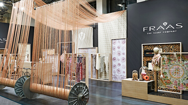 Fair booth - Concept and realization - Fraas Berlin - scarf company - decorative arrangement