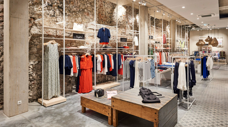 fashion store - new construction - redesign - Juhasz Bad Reichenhall - womens wear - area overview