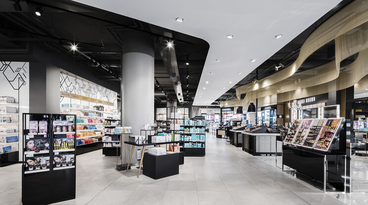 department store - new design - Stockmann Tapiola - beauty department - inside overview - entrance area